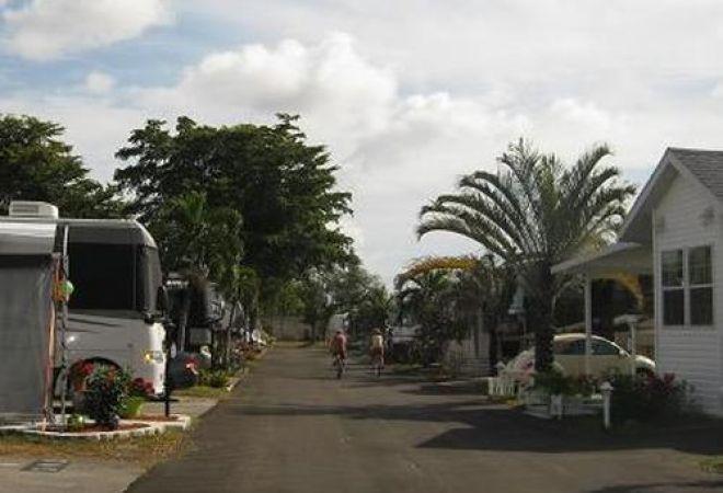 Sunshine Holiday RV Resort, An Encore Resort at Fort Lauderdale, Florida, United States - Passport America Discount Camping Club