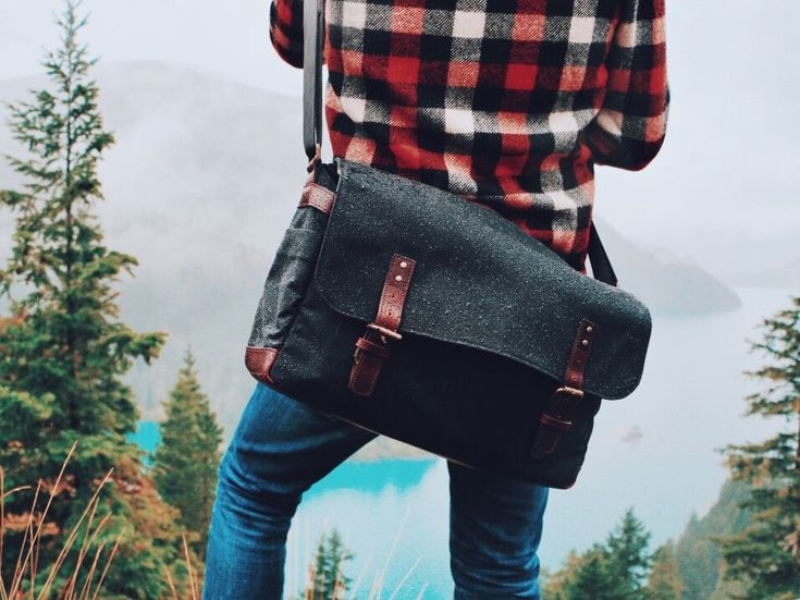 good messenger bag, would be perfect for my commute