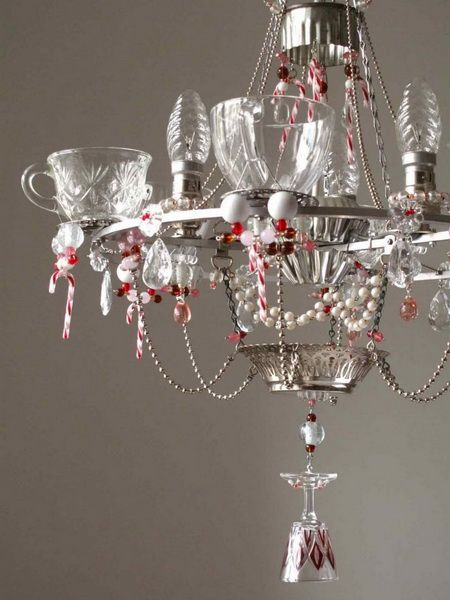 Chandelier accents: Craft, Christmas Decoration, Lighting, Decorating Ideas, Chandelier Decorating, Glass, Candy Canes, Christmas Chandeliers, Tea Cups