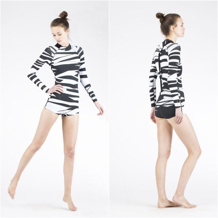 neoprenanzug-damen-shorty-zebra-muster-schwarz-weiss