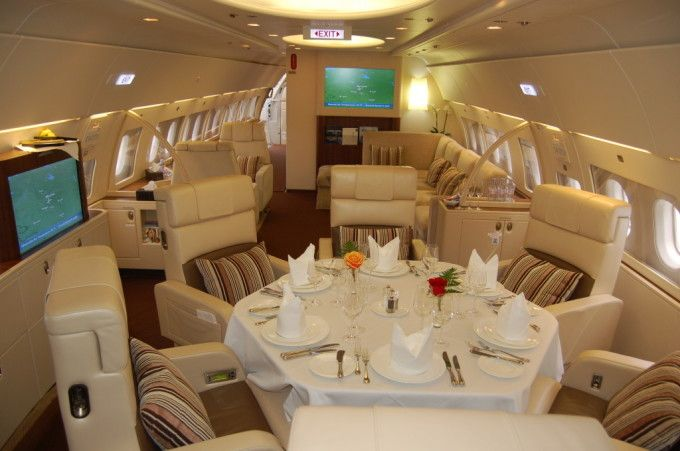 (customized cabin option available from Airbus) Airbus A380 World's most expensive private jet, starts at $300 million, without ad on's for customization. The plane is powered by 4 Rolls Royce Trent 900 engines, tht produce up to 70,000 lb-slst