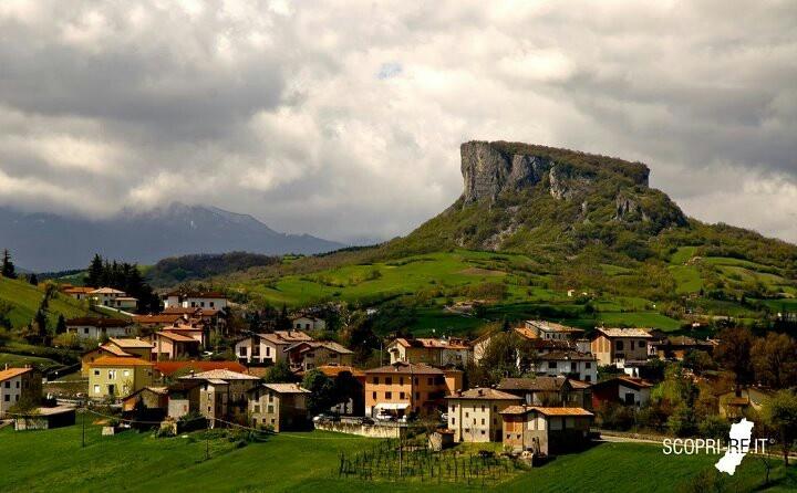 La Pietra di Bismantova - Castelnuovo Monti, Reggio Emilia (scopri-re.it)