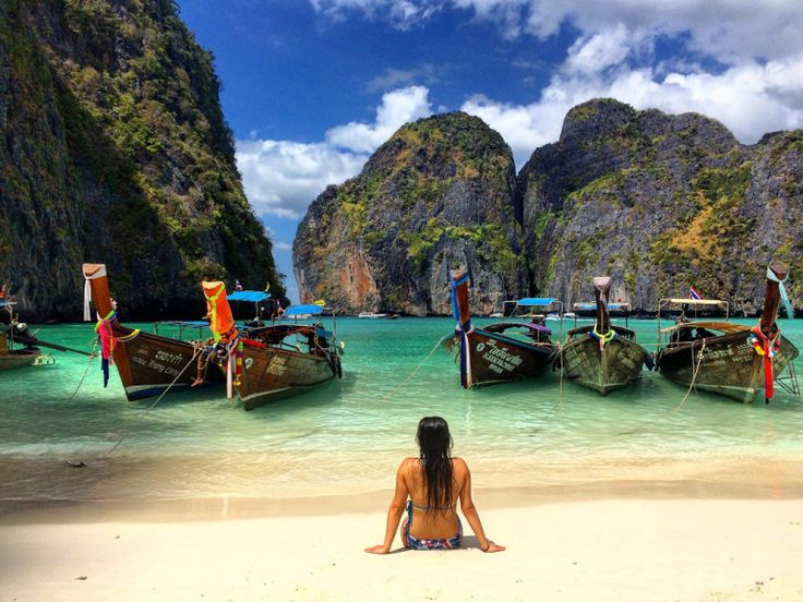 Country review and recommendations on THAILAND! Check it out on my blog! #turquoiseblogmtl #travelblog #traveladdict #thailandtravel #travelthailand #kohphiphi #mayabay