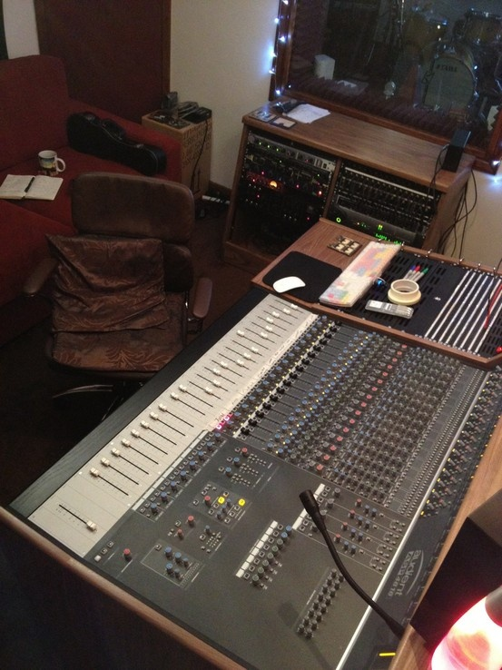 13 best used recording consoles images on pinterest console console tables and consoles. Black Bedroom Furniture Sets. Home Design Ideas