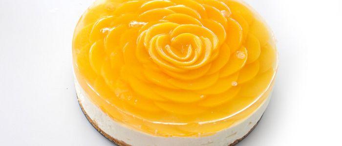 Невероятно вкусный Чизкейк Персиковая роза - модификация традиционного чизкейка. Этот торт украсит Ваш праздничный стол.