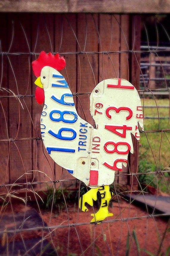 love this!! Vintage License Plate Chicken Rooster .. www.loveitsomuch.comw