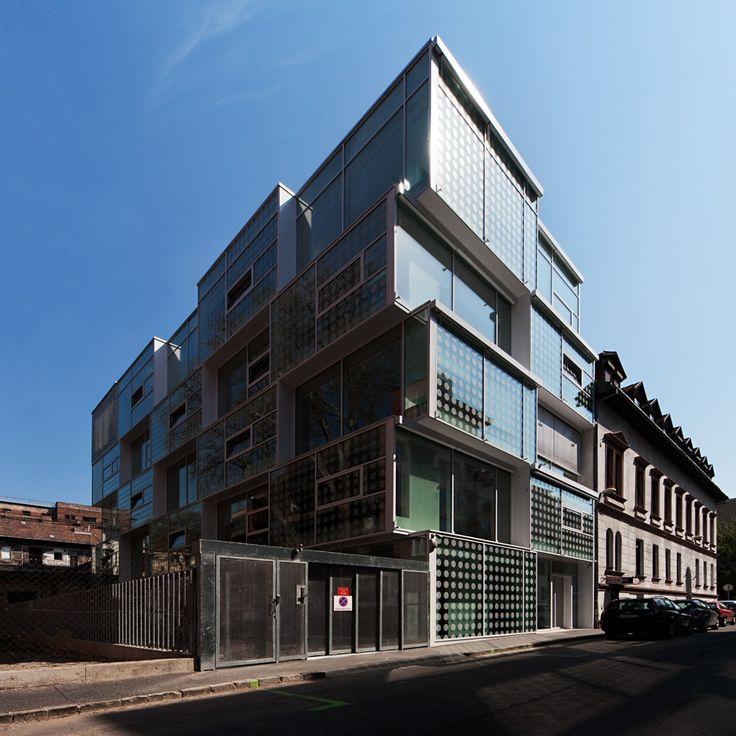 Geometria Office Building