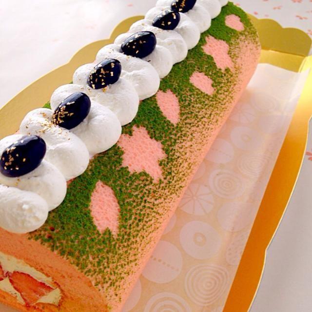 抹茶パウダーで桜の影を付けました(^∀^) - 122件のもぐもぐ - 春のほっこりスイーツ☆桜ロールケーキ by ザッキー☆