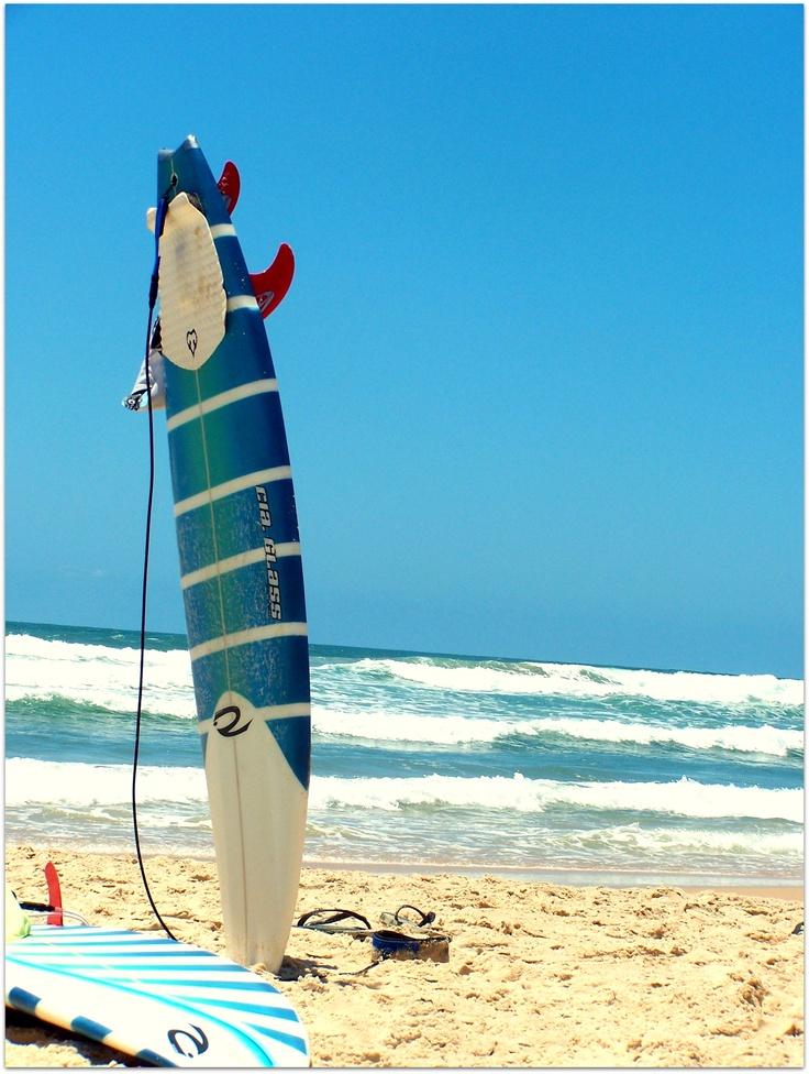 Um ótimo presente pra quem curte surf. Viagens sempre são maravilhosas! Praia do Rosa, Florianópolis, Brasil...