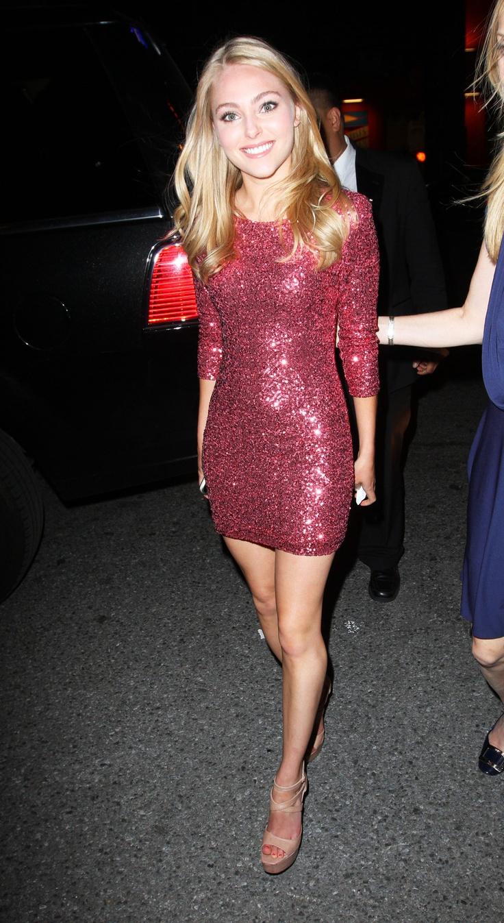 """AnnaSophia Robb"" love that dress!!!!"