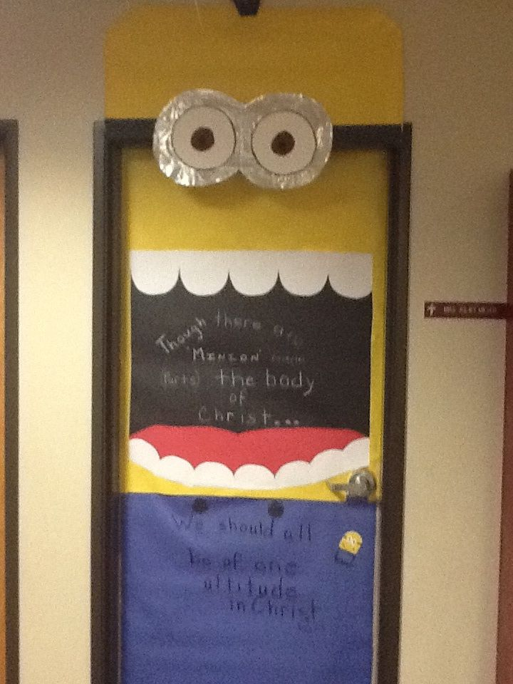 1000 images about door decorating on pinterest minion for Door decoration