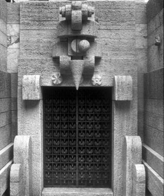 Villa San Martino (Arcore). Ingresso del Mausoleo di Silvio Berlusconi