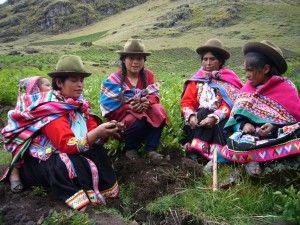 Campesinas de Lima, Perú. Día mundial de la mujer rural.