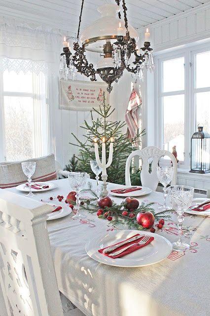 VIBEKE DESIGN: Julens blomster og borddekking