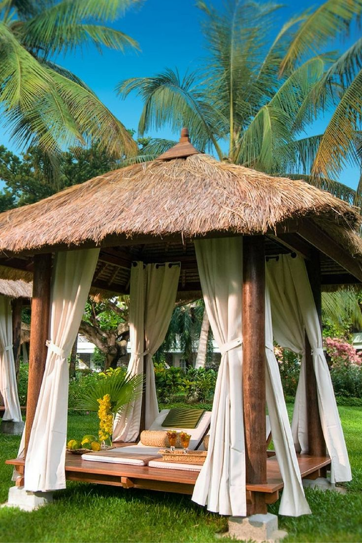 Sandals Saint Lucia: Choosing between the Grande St. Lucian, Regency La Toc and Halcyon Beach.  Sandals has three resorts in Saint Lucia, and there are some big differences between them. Here are tips on choosing the right one for your vacation.
