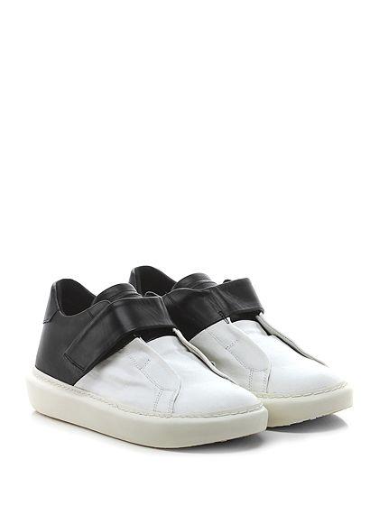 Leather Crown - Sneakers - Donna - Sneaker in pelle e tessuto con chiusura a strap e fasce elasticizzate interne. Suola in gomma, tacco 35, platform 25 con battuta 10. - BIANCO\NERO - € 273.00