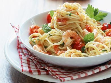 Spaghetti met scampi en kerstomaatjes (Libelle Lekker!)