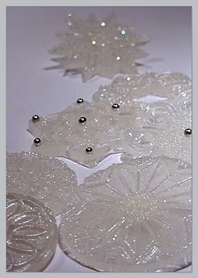 A snowflake is winter's butterfly   These are poured sugar  http://cakesdusoleil.blogspot.com/2010/01/snowflake-is-winters-butterfly.html#
