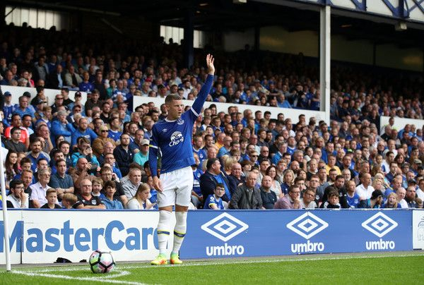 Ross Barkley of Everton during the Premier League match between Everton and Stoke City at Goodison Park on August 27, 2016 in Liverpool, England.