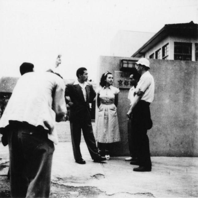 Lead actors Toshirō Mifune, Masayuki Mori, and Machiko Kyō, with director Akira Kurosawa on the set of Rashōmon