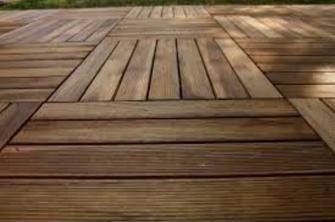Come installare un pavimento in legno da esterno