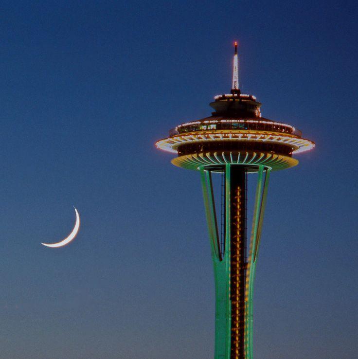 Luna şi Acul Spaţial 17 - Seattle, statul Washington, SUA