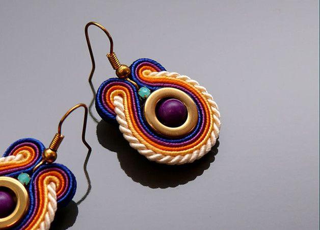 KOLCZYKI, wykonane ręcznie, metodą haftu sutasz.  Długość kolczyków ( bez bigla…