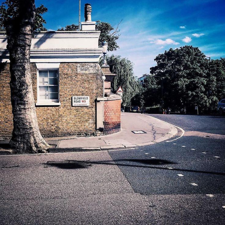 Peaceful. #ldn #london #londoner #londonlife #londongirl #londoncalling #londoncity #londonlove #londonstyle #london_only #londontown #instagood #instalondon #igers #igersuk #igerslondon #igersoftheday #architectureporn #building #serene #architecture #architecturelovers #urban #urbanlife #urbanstyle #urbanliving #urbanphotography #scenic #street