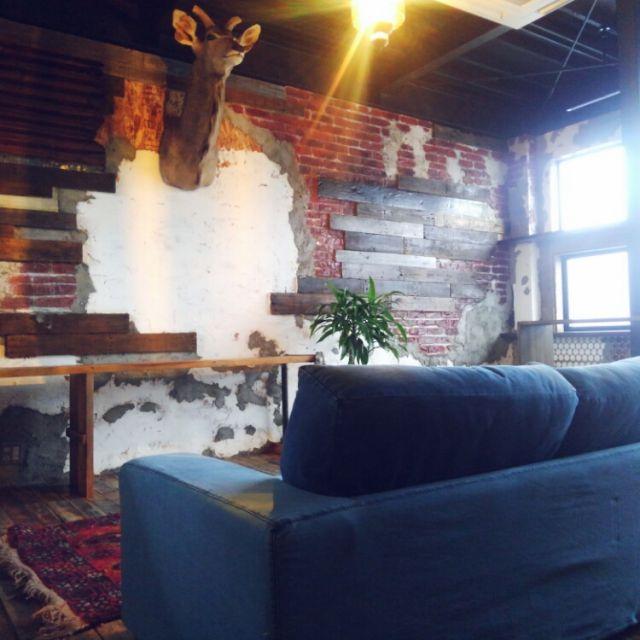 kobitoさんの、リビング,ソファー,インダストリアル,作業部屋,剥製,journal standard Furniture,リノベーション中,のお部屋写真