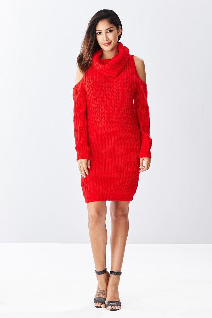 """Короткое однотонное платье красного цвета Короткое повседневное, красное платье с облегающим силуэтом, горловина в стиле """"хомут"""", длина выше колен, длинный рукав, вырез на плечах. https://www.fashionusa.ru/upakovki/korotkoe-odnotonnoe-platie-krasnogo-cveta-21217-red"""