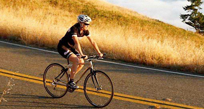 The flat bar road bike. Pseudo roadie or jack of all trades. roa.rs/11rCAlx