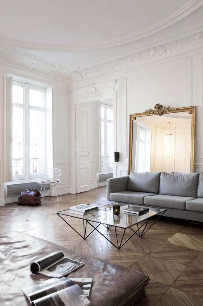 Un appartement haussmannien haussmannien appartements for Interieur haussmannien