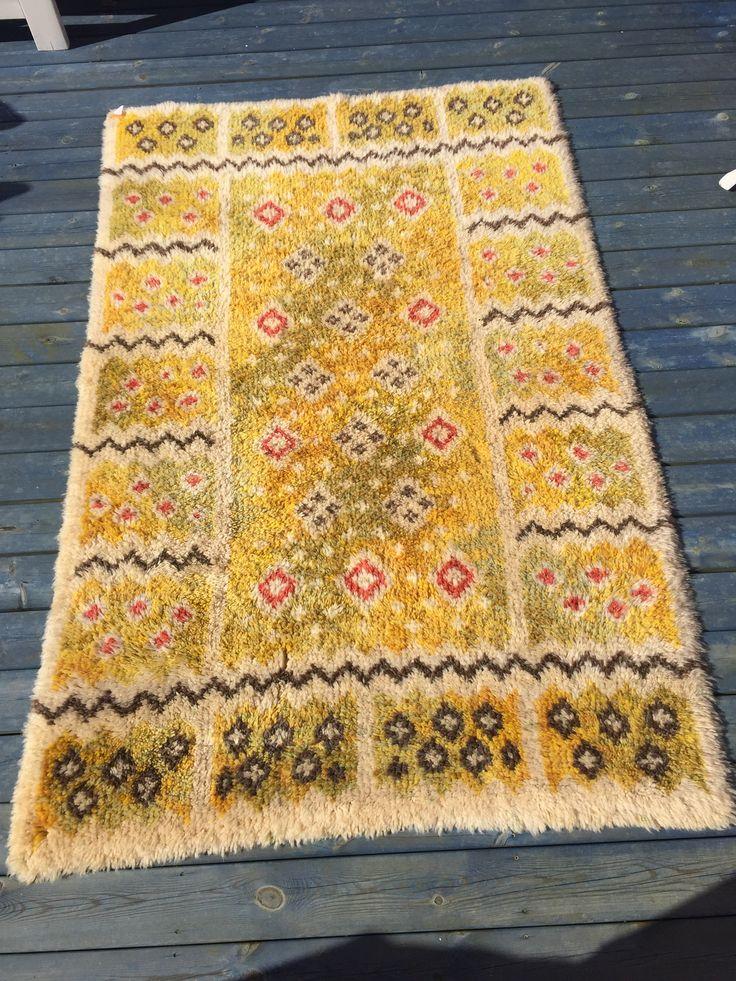 Swedish rya rug. #rug #rya