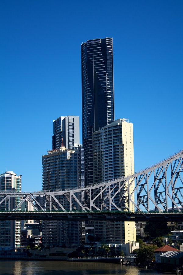 We love this exterior shot of our #Meriton Serviced Apartments Adelaide Street, Brisbane by Alex Hempel...
