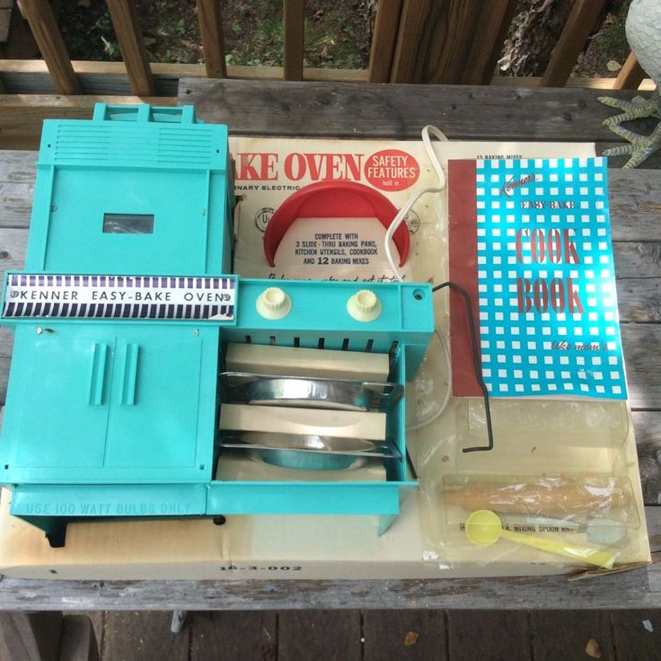 1964 Kenner Easy Bake Oven Works with Original Manual and Accessories