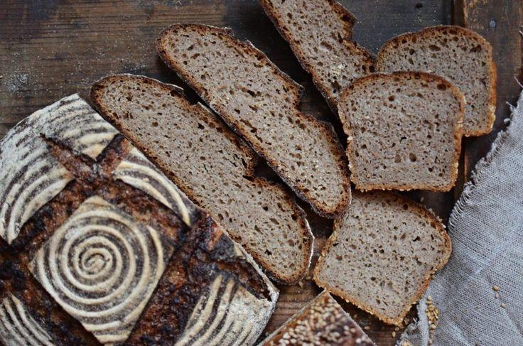 80% žitný kvasový chléb se spařenou žitnou moukou   Maškrtnica