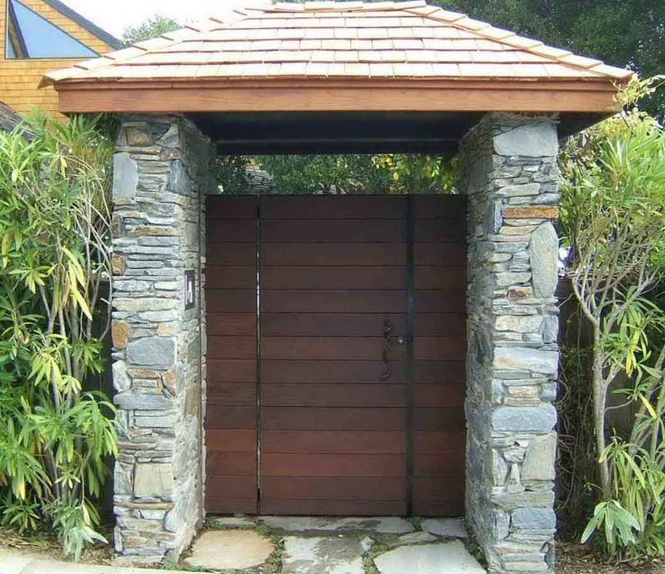 39 best wooden gate images on pinterest japanese gardens for Wooden front gate designs