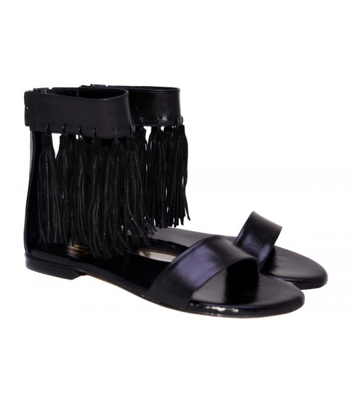 LEATHER SANDALS DESIGNERLOU Excellent choice for a casual appearance of the new collection ofLou company. AVAILABLE COLORS:NUDE BLACK