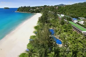 The luxurious Katathani hotel at the beach in Kata Phuket, luxury resort hotel accommodation ideal for families and couples