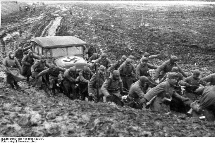 Bundesarchiv Bild 146-1981-149-34A, Russland, Herausziehen eines Autos - Eastern Front (World War II) - Wikipedia, the free encyclopedia