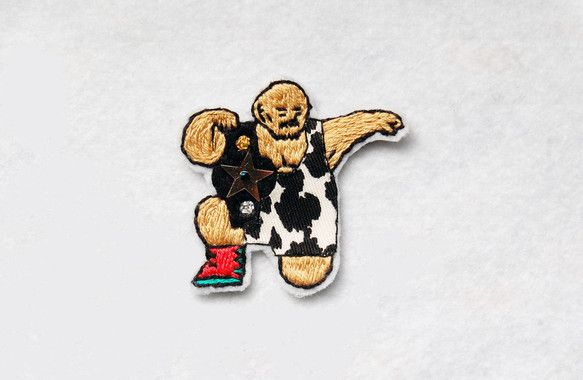 チャンピオンシリーズ3作目です。牛柄のコスチュームが印象的なやや強面レスラーです。肩にかかるチャンピオンベルトにはゴールドの星のスパンコールが縫い付けてありま...|ハンドメイド、手作り、手仕事品の通販・販売・購入ならCreema。
