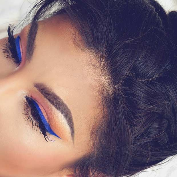 Blue Eyeliner Makeup Look