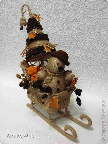 Sleigh, snowman and Christmas tree made of jute and coffee beans. Master Class (1) (360x480, 109Kb)