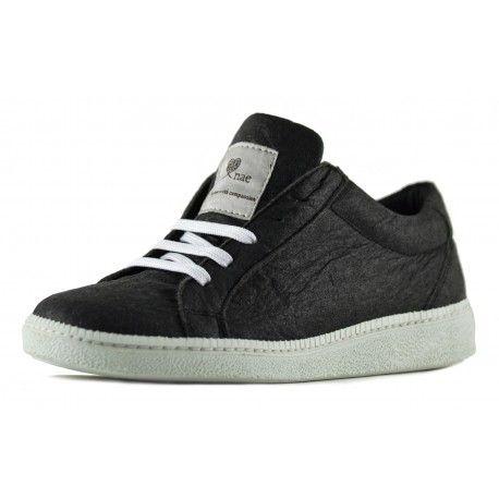 Sneakers vegan en Pinatex de la marque NAE.