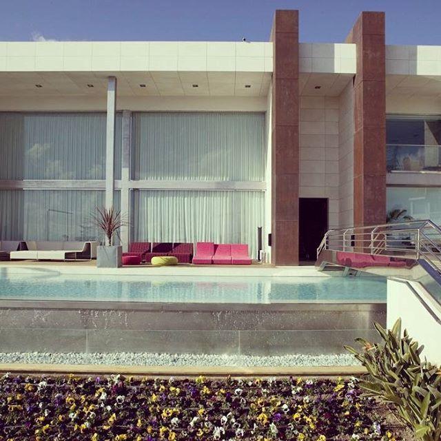 Maravilloso chalet en #venta en la zona de #laalberca en #alicante . - Dispone de 4 habitaciones, 5 Baños y una superfície de 600 M2. - Mas información: https://www.1001portales.com/inmueble/123626 #alacant #spain #inmobiliaria #inmueble #españa #vacaciones #inmuebles #chalet #lujo #multipublicacion #realestate #house #luxury #properties #interior #property #propertyforrent #propertiesforsale #propiedades #propiedadenventa #propiedadesespaña #interiorismo #alquileres #piscina #sun #design