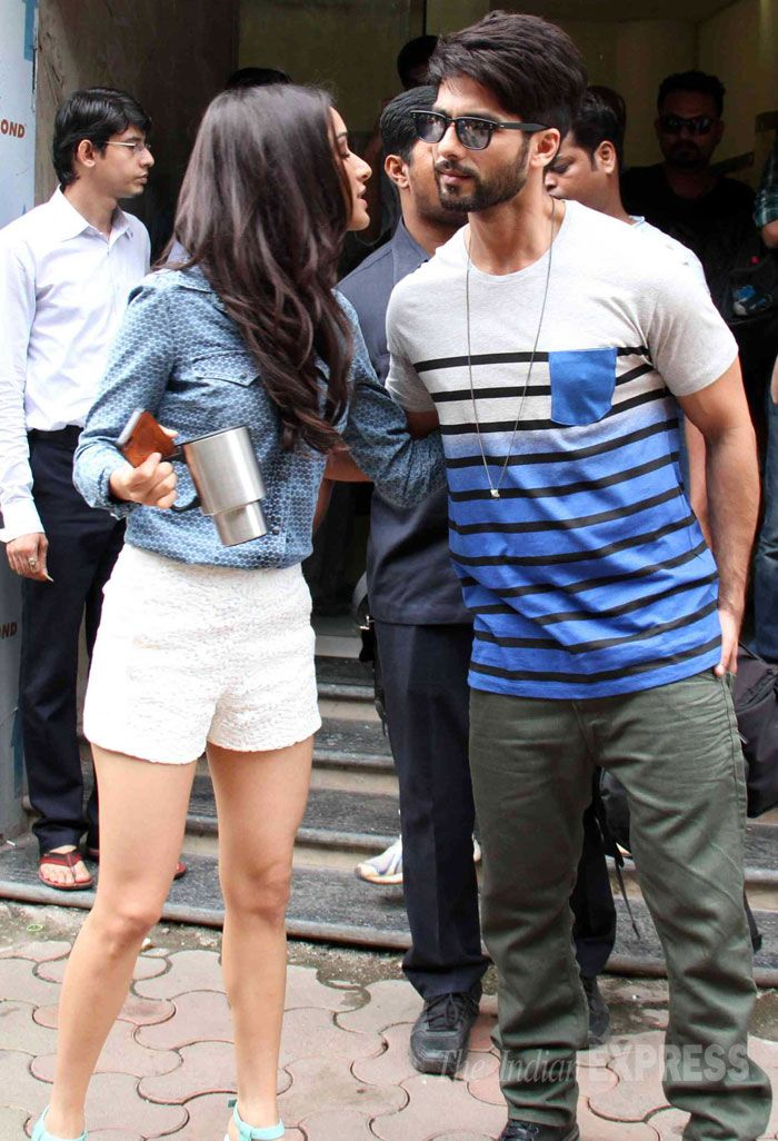 Shahid Kapoor gets a hug from Shraddha Kapoor at the Radio Mirchi studio for…