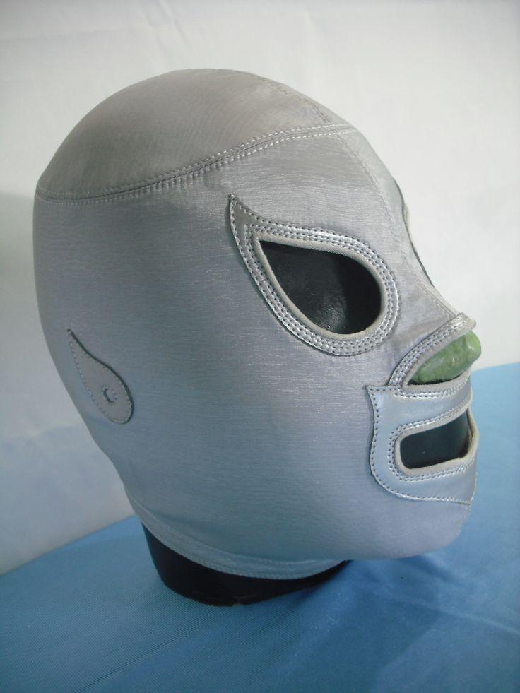 Mascara de El Santo, tela satin, piel con ribeteado....