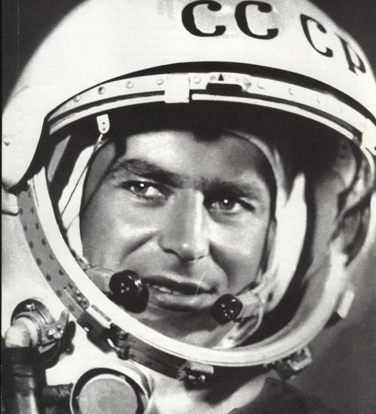 how was responsible for yuri gagarin in space flight - photo #18