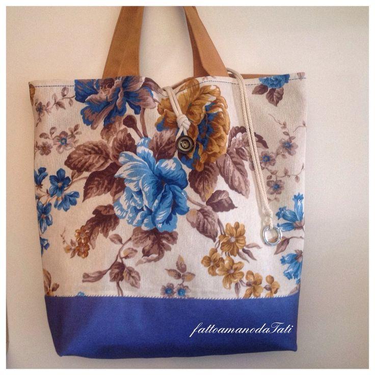 Borsa mare in cotone a fiori sui toni azzurri/blu/marroni, by fattoamanodaTati, 45,00 € su misshobby.com
