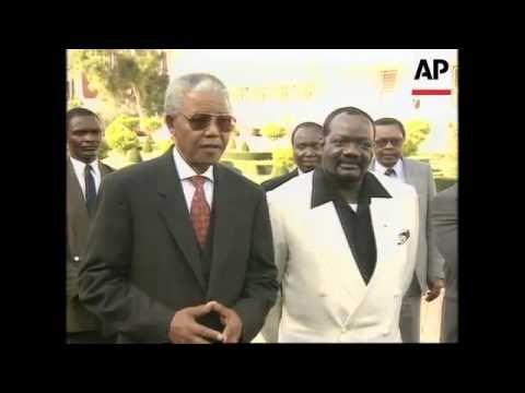 Diplomacia da UNITA em Acção - Savimbi Visita Mandela - Video II